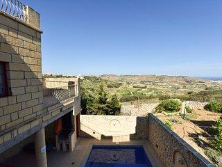 Tat-Tibna Farmhouse