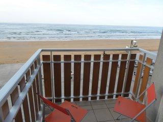 Vivienda céntrica y en primera línea de playa