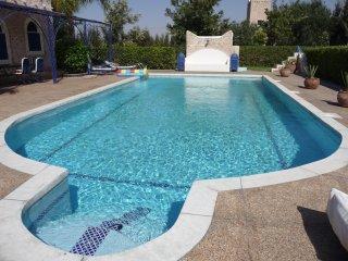 Villa sur 5000 m2, 10 couchages, avec piscine privee sans vis a vis