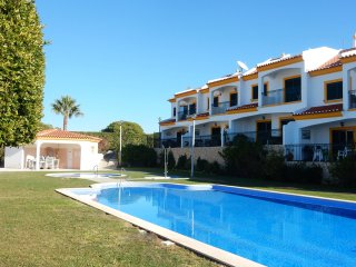 Stunning Modern Town House situated on the very popular Colina Verde complex