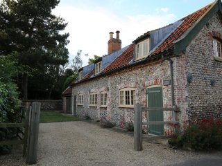Cosy detached 3 bedroom holiday cottage, 3 miles from Wells next the Sea