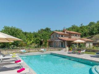 Pangea Villa -Casale 8 posti -Privacy, benessere e confort tra bosco e fiume