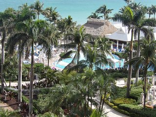 Unbelievable 5* Hotel * The Ritz Key Biscayne * Balcony * Parking * View!