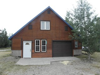 Perfect Cabin for your Yellowstone or Fishing Vacation