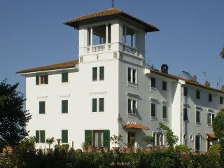 Villa Sottopoggio 6 - Stunning historic villa with private garden and barbecue
