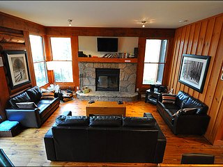 Located on North Side of Mont Tremblant | Minutes from the Ski Slopes (215711)