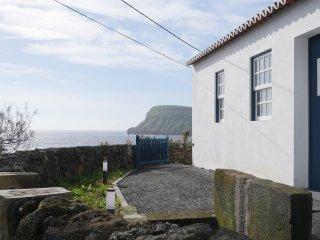 Canário do Mar - The essence of Azores