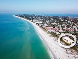 Dolphin Shores Beachfront directly on Gulf of Mexico