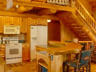 Exquisite handcrafted log lodge on Minnesota's clearest lake