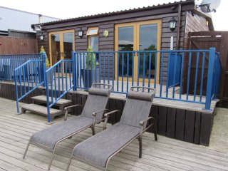 Swallowdale Holiday Home - Norfolk Broads Self Catering - Sleeps 4, Dog Friendly