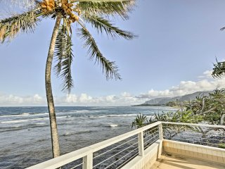 Oceanfront 'Plumeria' Apartment near Hau'ula Beach