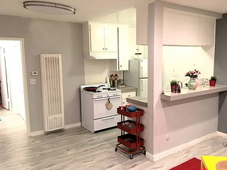 Lovely Entire Home Heart of Hollywood w/ Parking