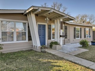 NEW! Chic 3BR San Antonio Home 14 Mins to Downtown