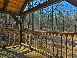 NEW! 'The Codex' 1BR+Loft Murfreesboro Cabin!