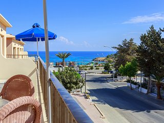 Fig Tree Apartment 1 - 2 Bedroom Apartment - Just 50 meters from Fig Tree Beach