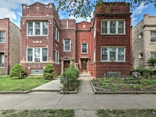 NEW! 2BR Chicago Apt. in Lincoln Square w/ Patio!