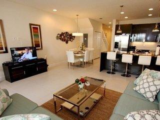 1521SD. Beautiful Disney Area 3 Bedroom 3 Bath Townhome with Splash Pool