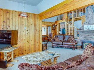 Convenient family-friendly getaway, close to attractions & with tons of room!