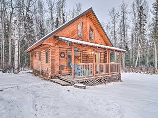 Central Wasilla Cabin 5 Mins from DT & Lucile Lake