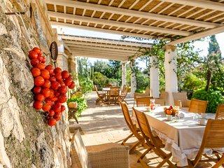 Dimora con piscina in Villa Panoramica
