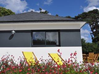 Tres belle maison neuve situee a 2mn a pied de la mer dans cadre plein de charme