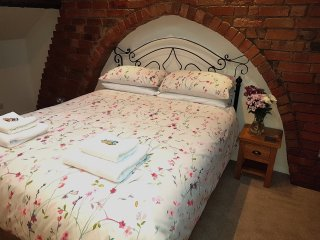 Lyndene Bed and Breakfast Penistone King Size Suite (free wifi)