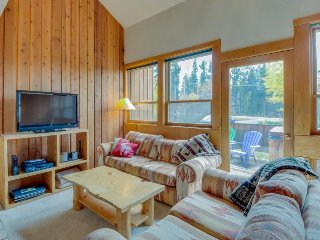 Classic alpine getaway, with prime location and private hot tub!