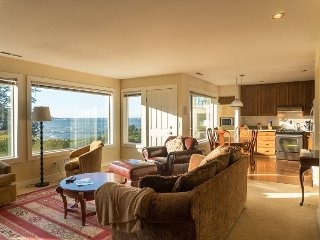 Spectacular views await those visiting this ground floor unit in Depoe Bay!