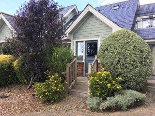 5 Court Cottage, Hillfield Village, Dartmouth