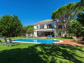 7 bedroom Villa in Artola, Andalusia, Spain : ref 5506741