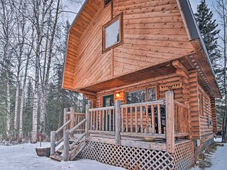 Ideally Located Wasilla Cabin w/Grill near Chugach