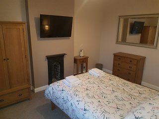 Lyndene Bed and Breakfast Penistone Deluxe Double Room (free wifi)