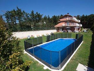 Villa Augusta de Llavaneres   Numero de licencia turística    HUTB-005845