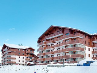 2 bedroom Apartment in Les Menuires, Auvergne-Rhone-Alpes, France - 5445313