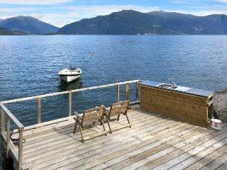 2 bedroom Villa in Balestrand, Sogn og Fjordane Fylke, Norway : ref 5442256