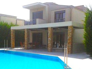 Muretz Pool Villa, Sani