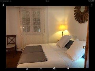 alegre y bonito apartamento con terraza y cerca de la playa