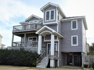 Walk to the Beach! Great Amenities!Private Pool, Rec Room, Hot Tub,Pet Friendly!