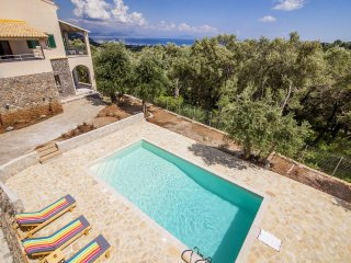 The Curator's House - 3 Bedroom Villa with Private Pool and Stunning Seaviews