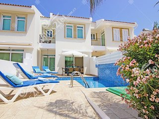 Cyprus Holiday Villa ELSA Profile