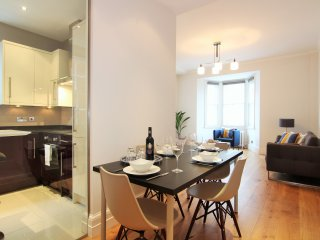 Central London- Baker Street / Marylebone- Stunning 2 bedroom 2 bathroom Apt
