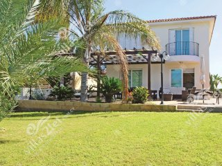Cyprus Holiday Villa ASTRID Profile