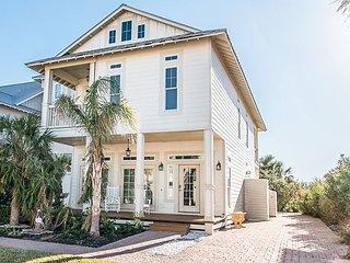 Cinnamon Shore 3BR Coastal Home w/ Infinity Pool, 3 Balconies & Ocean Views