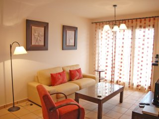 Apartamento 2 dorm Spanish Village (con piscina comunitaria)