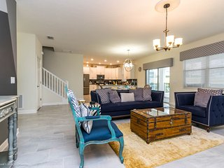 Near Disney World - Champions Gate Resort - Feature Packed Cozy 6 Beds 5 Baths
