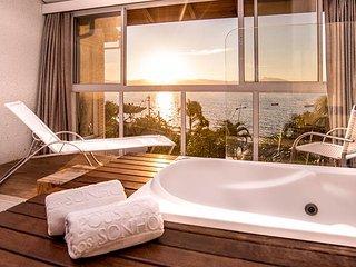 Apartamento a Beira Mar de Jurere com Hidromassagem