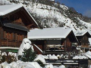 Le Mont, chambre chez l'habitant, chaleureuse avec vue sur les Alpes.