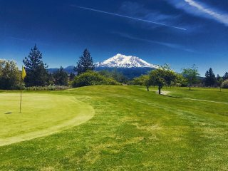 Lake Shastina Golf Resort - Mt. Shasta