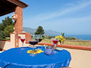 Charmingi Villa Antonnella with pool and sea view