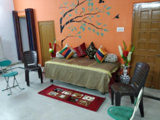The Pink City Traveller's Home- A 3 BR Home with Breakfast and Free Parking